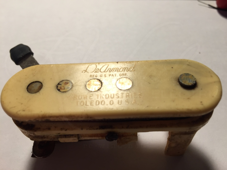 Vintage Pickup & Guitar Repairs / 1950's Early DeArmond Soundhole